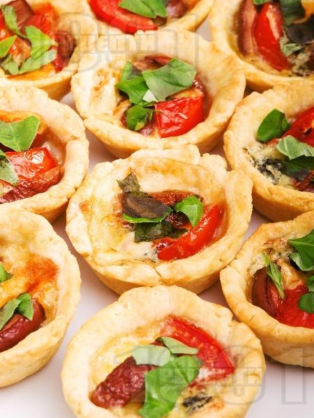 Тарталети с маслини и синьо сирене - снимка на рецептата